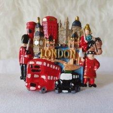 Gloria Bellucci - Magnet Kulkas London Ramai