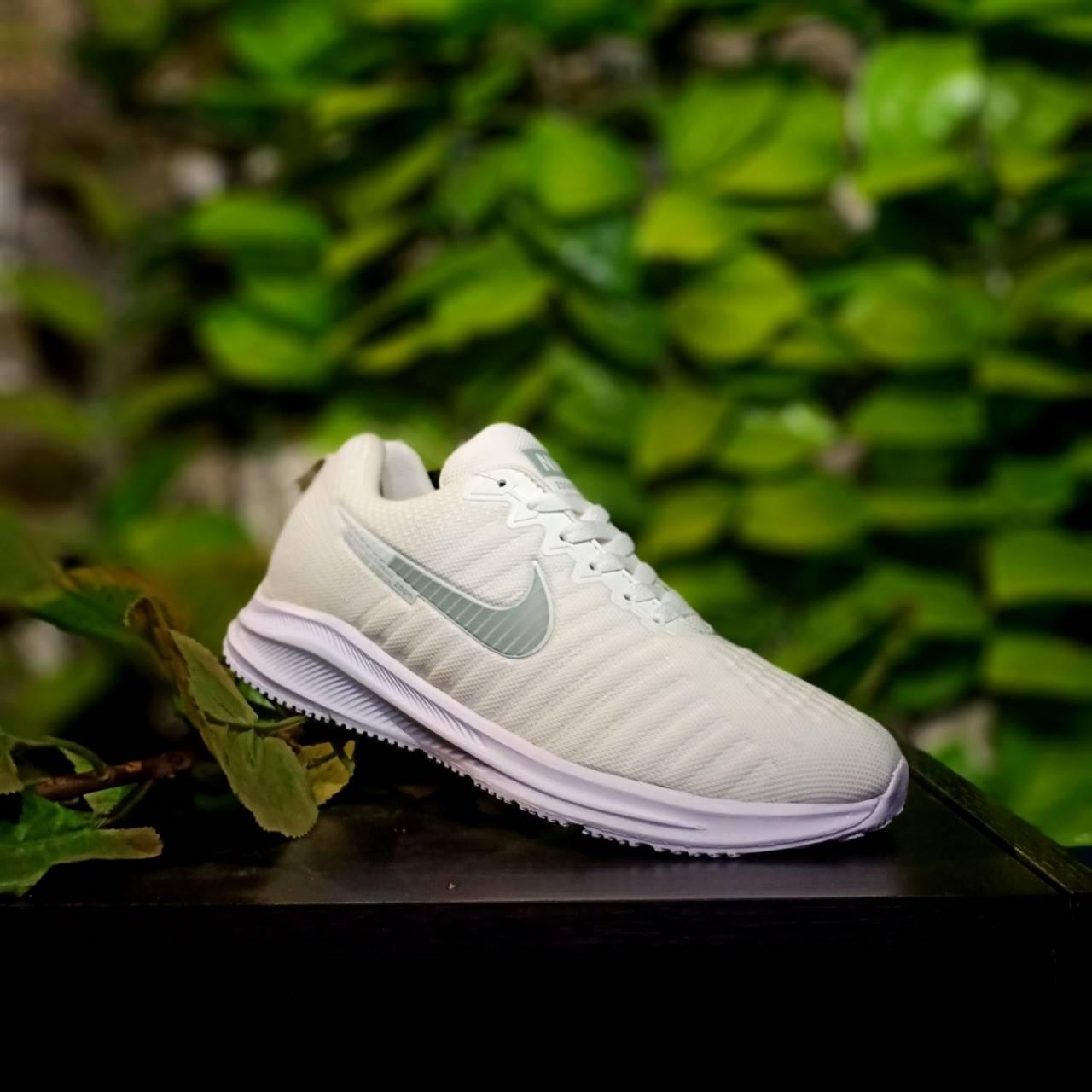 Sepatu Sneakers Pria Made in Vietnam Running Joging Dan Gaya_Nike001 Zoom_Pegasus Putih Polos Favorit Trend Masa Kini Harga Murah