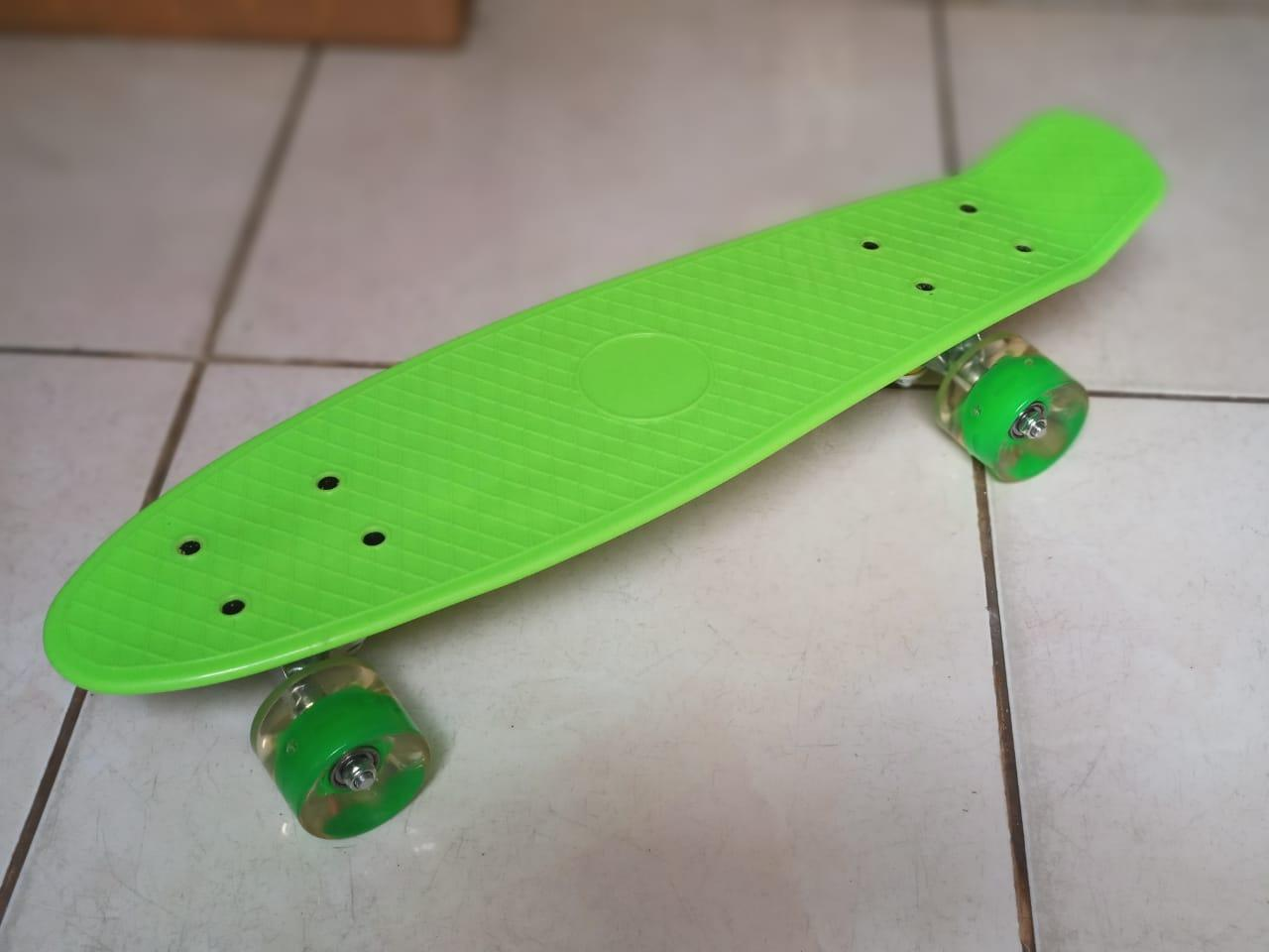 High Quality Skateboard with LED Wheels a187c1c5c8