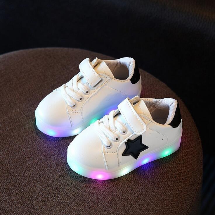 Diskon Anak Laki Laki Dan Perempuan Fashion Korea Sepatu Lampu Penuh Warna Led Flash Sepatu Kecil Putih Intl Tiongkok