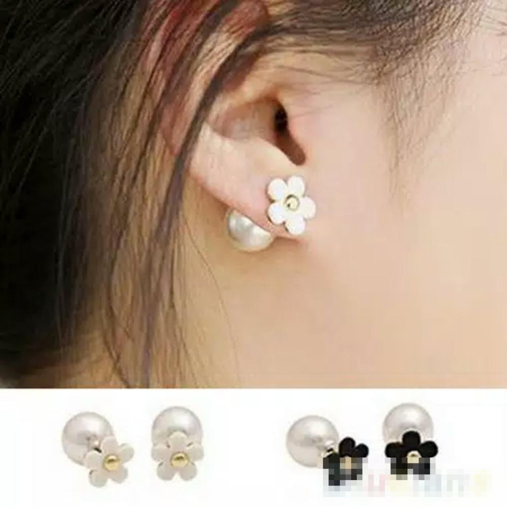 Anting-anting Mutiara dua sisi (double balls) model bunga