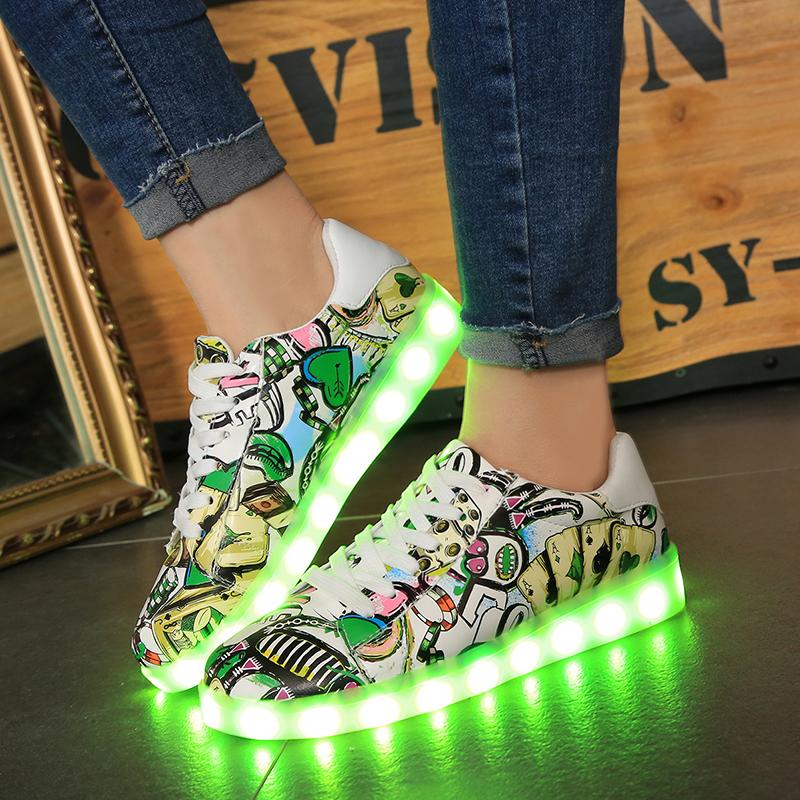 Jual Beberapa Korea Fashion Style Tujuh Warna Laki Laki Sepatu Mengkilat Sepatu Bercahaya Sepatu Berwarna Warni