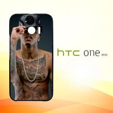 Casing Untuk HTC M10 August Alsina Kissin On My Tattoos L1379