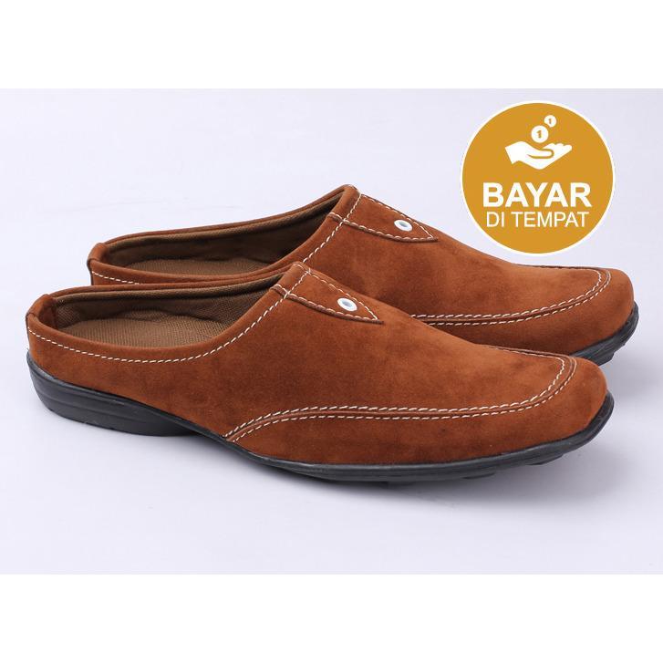 Sepatu Sendal Kickers Navona Pria Tutong Bustong Slop Slip On Cowok Semi Pantofel Sandal MurahIDR156000.