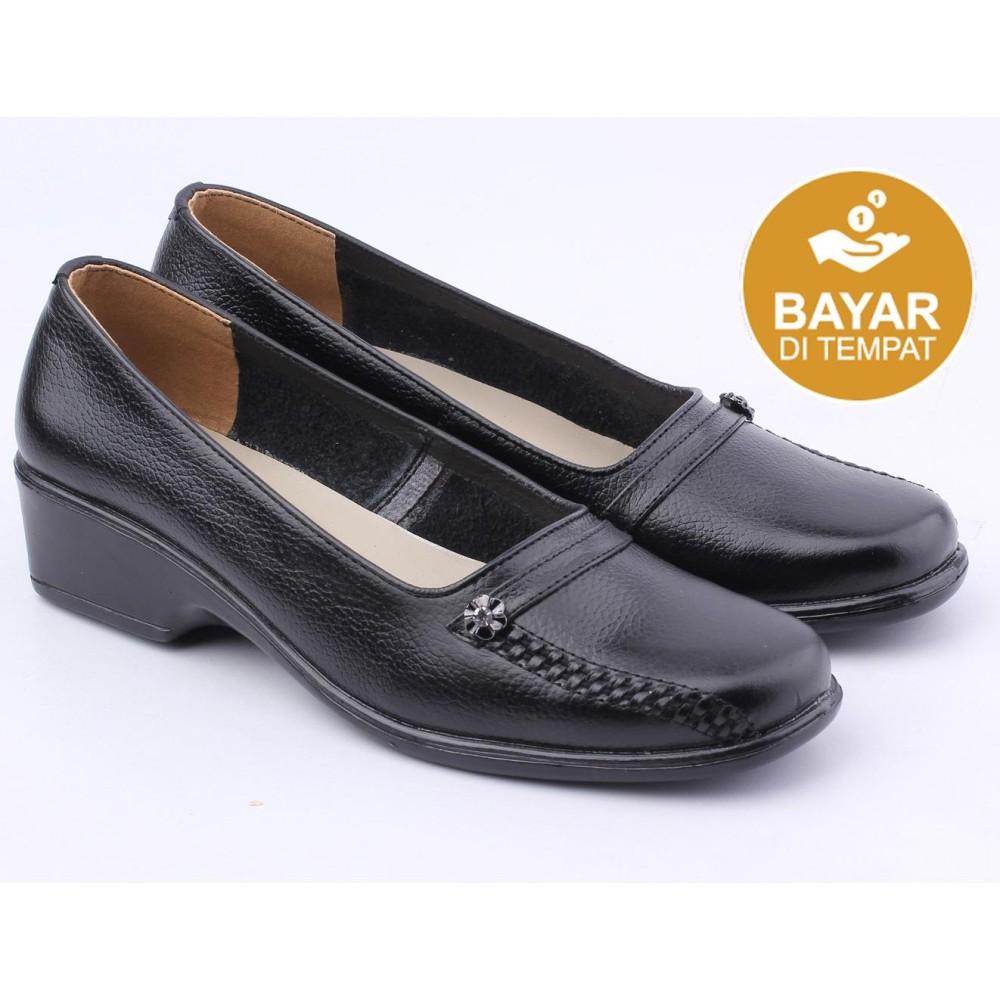 Catenzo Sepatu Pantofel Kulit Wanita - Women Formal Shoes - Hitam