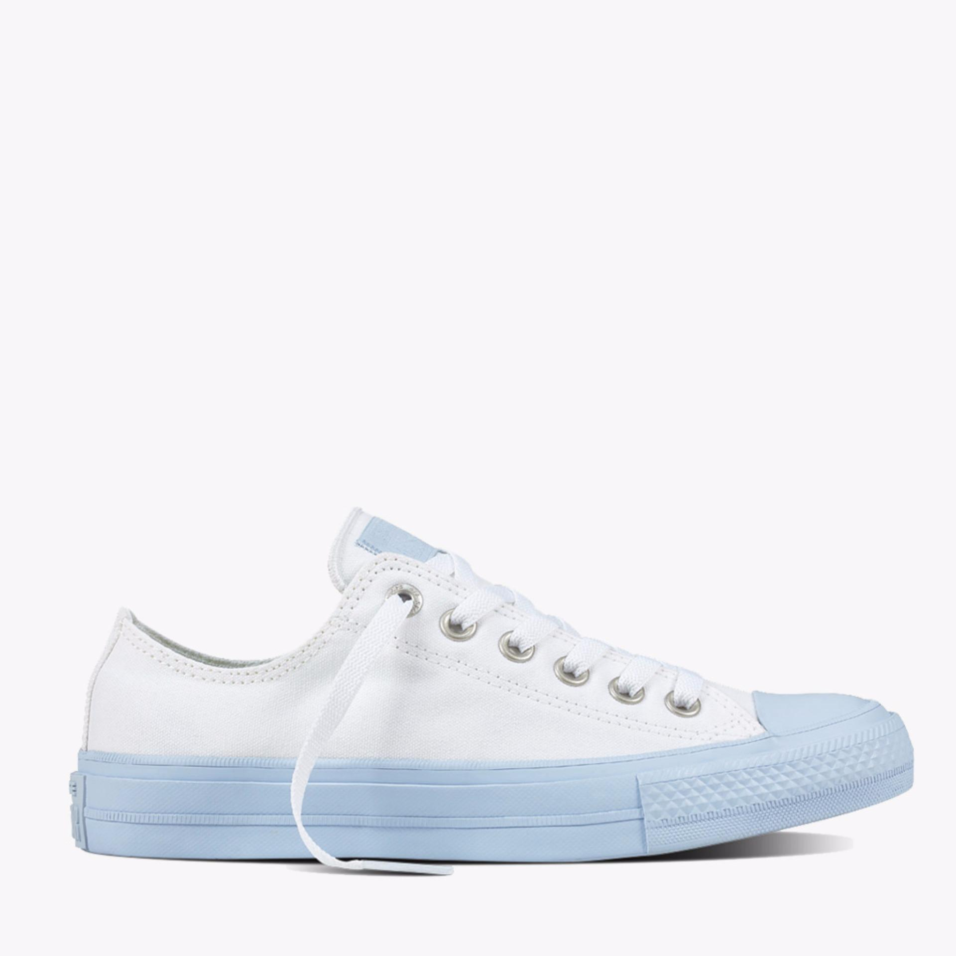 Harga Converse Chuck Taylor All Star Ii Ox Women S Sneaker Shoes Putih Baru Murah