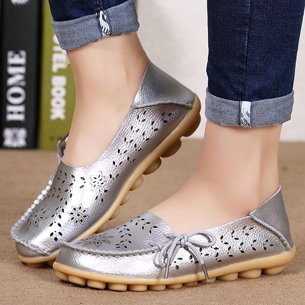 Pabrik Grosir Sandal Musim Panas Sepatu Lubang Datar Kulit Kasual Sepatu Anak Perempuan Berusia Doug Mama Sepatu Kode Perak-Internasional