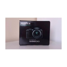 Fujifilm FinePix S8600 - 16MP - 36x Optical Zoom