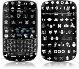 Review Toko Gelaskins Blackberry 9900 S*x God