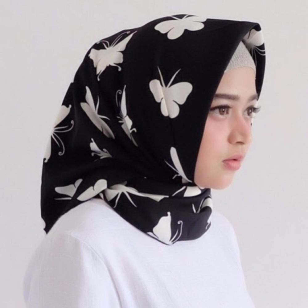 Hijab - Kerudung Segi Empat - Cotton Japan - Zaskia Black / Jilbab