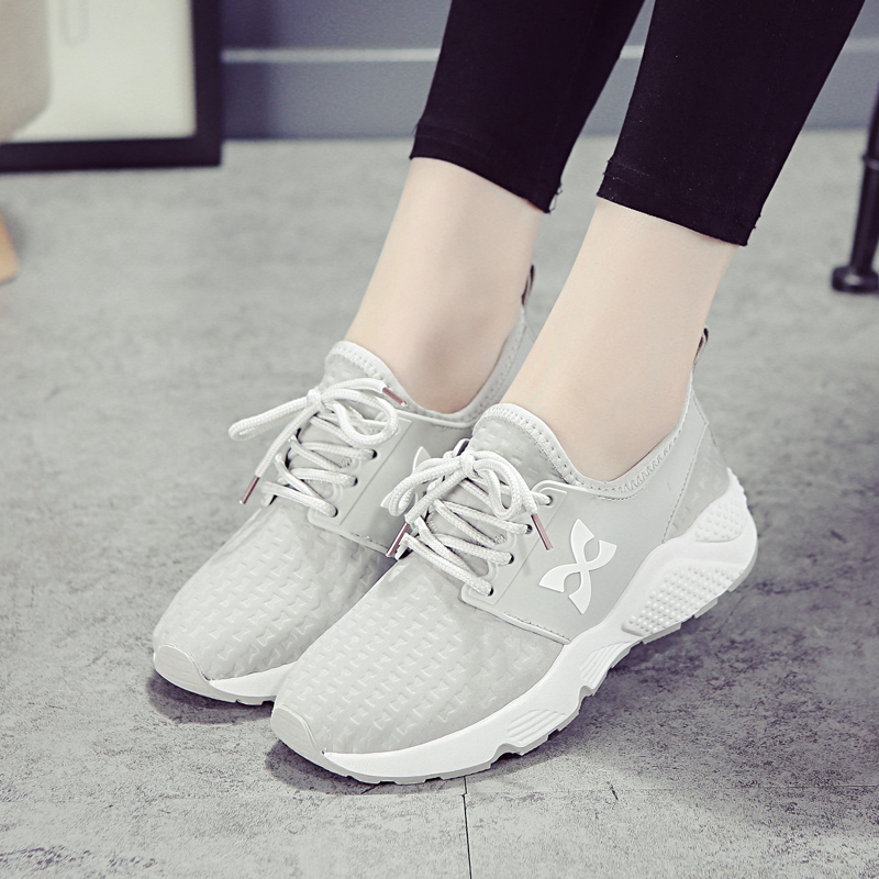 Iklan Korea Fashion Style Tembus Udara Putih Siswa Perempuan Sepatu Wanita Sepatu Olahraga Abu Abu