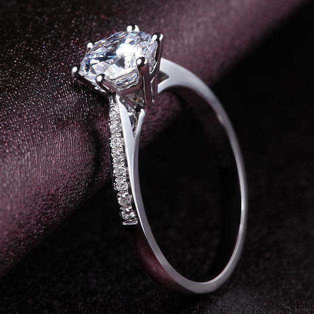 Cincin Replika Berlian Wanita Berlian Tatahan Enam Cakar