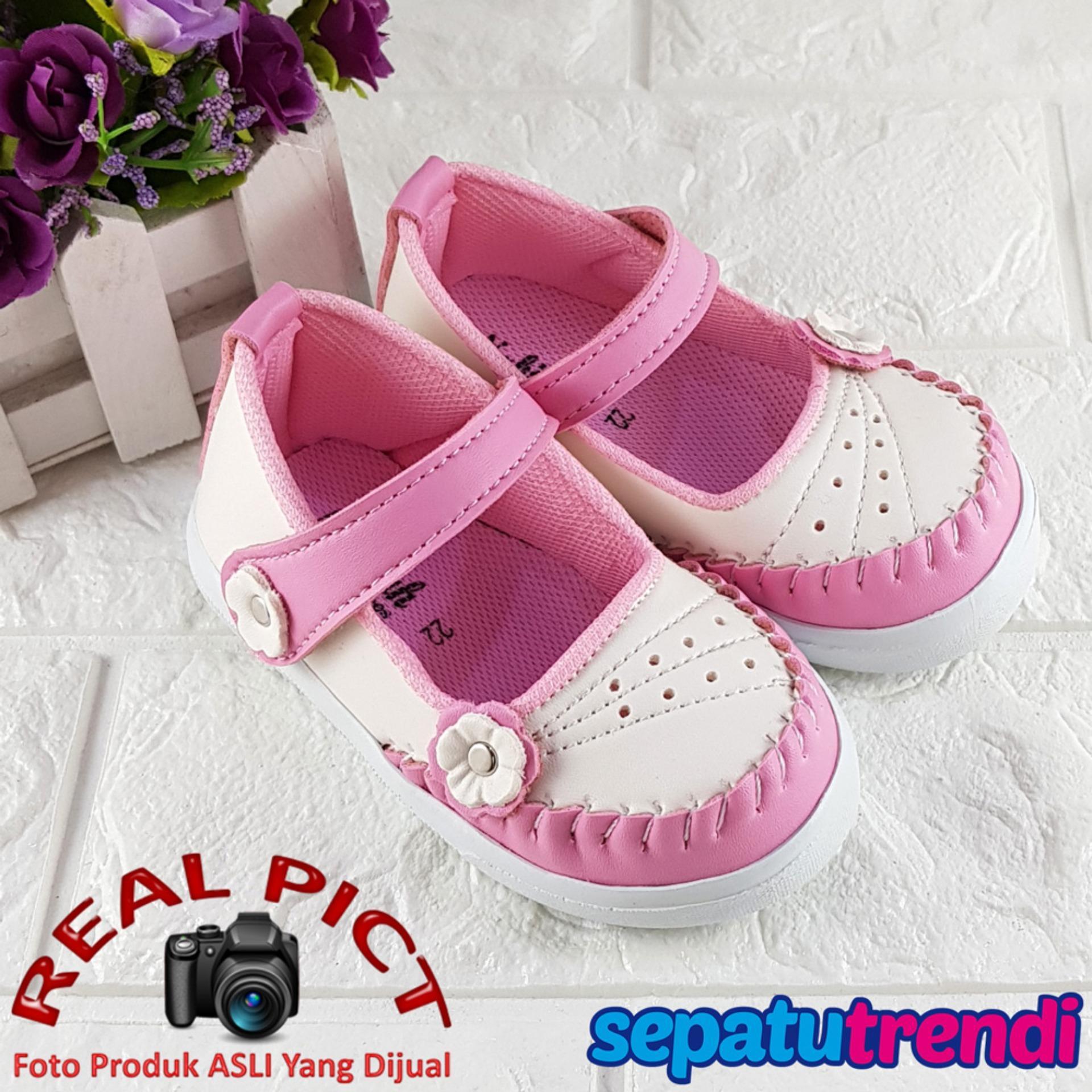 Lunetta Sepatu Anak Bayi Perempuan Bunga Rajut Cantik RJTBGA