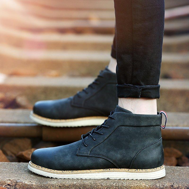 Musim Dingin Pria Boots Leather Martin Merek Boots Tinggi Inggris Kanye West Sepatu Pria Boots (Hitam)-Intl