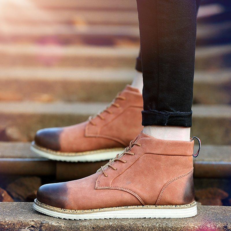 Musim Dingin Pria Boots Leather Martin Merek Boots Tinggi Inggris Kanye West Sepatu Pria Sepatu Bot (Brown)-Intl