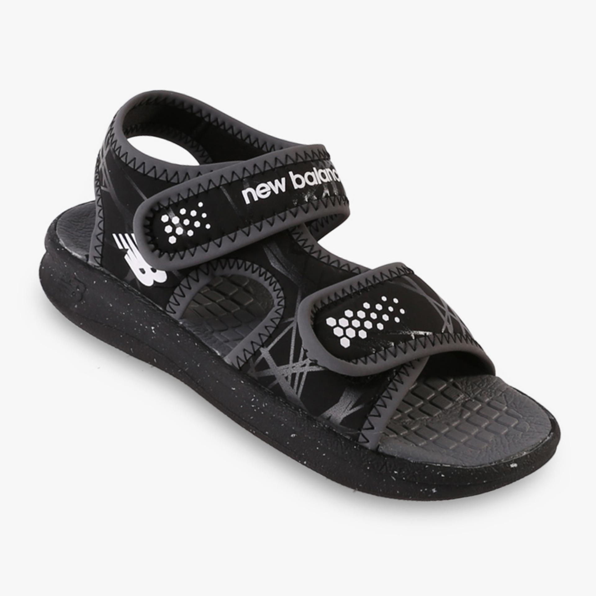 New Balance 2013 Boy's Sandals - Hitam