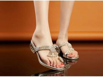 Beli sekarang Berlian Imitasi Wanita Baru Tumit Wedge Sandal Lipat Jepit Partai Pernikahan Sepatu-Internasional terbaik murah - Hanya Rp176.734