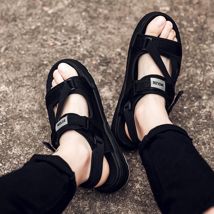 Pusat Jual Beli Sandal Pantai Luar Rumah Baru Kasual Sepatu Korea Fashion Style Laki Laki Hitam Sepatu Pria Sepatu Sendal Tiongkok