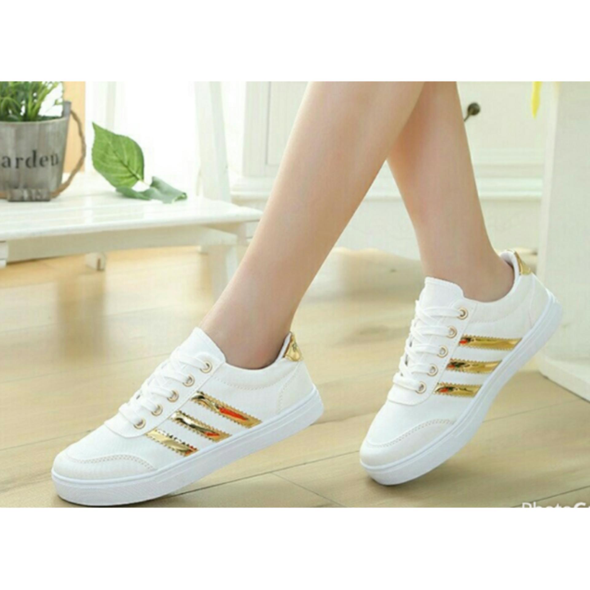Beli Sepatu Casual Juni Sneakers Wanita Kets Putih Online Terpercaya