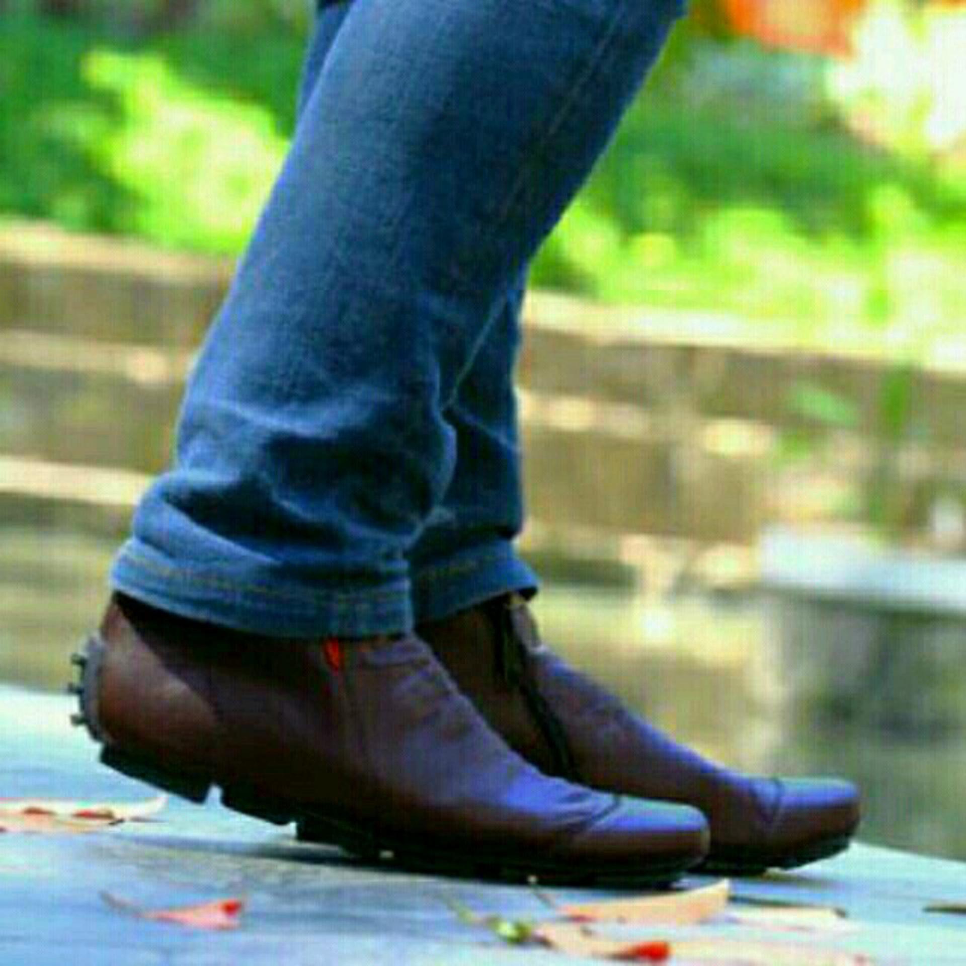 Sepatu Casual Sneakers Kickers Zipper Boots Murah