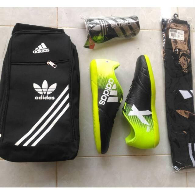 Beli Sepatu Futsal Murah Keren Paket Lengkap Merah Kuning Emas Orens Online Dki Jakarta