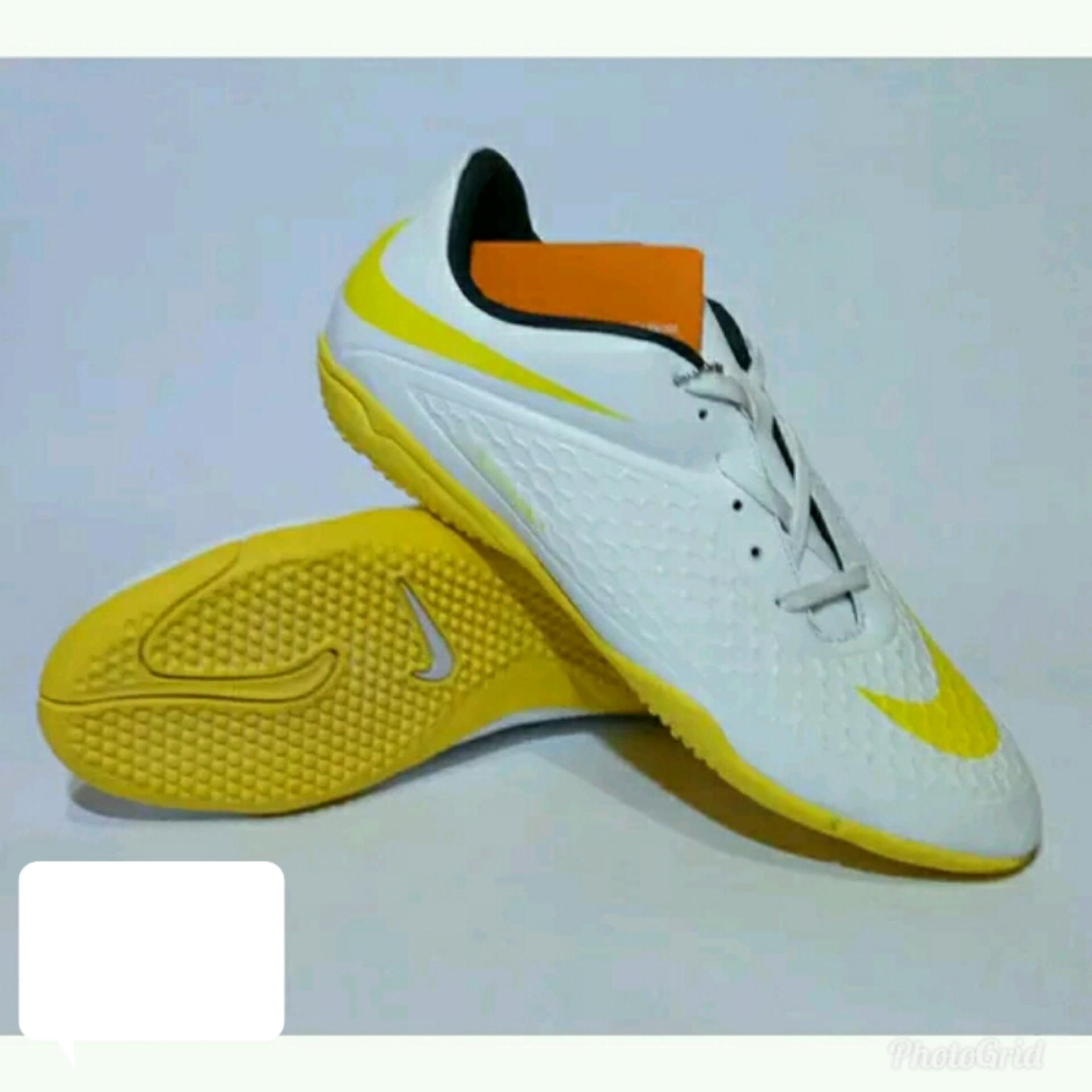 Sepatu Futsal nikeii hypervenom
