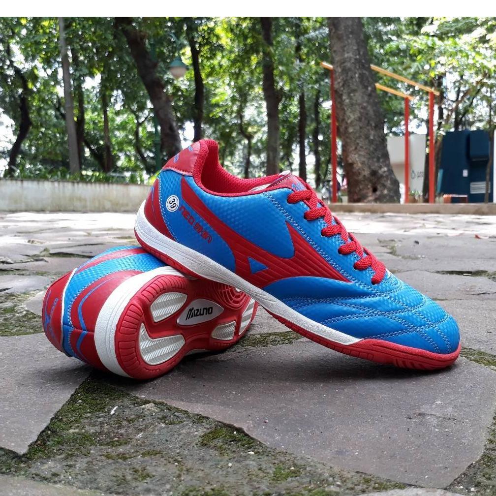 Spesifikasi Sepatu Futsal Pria Terbaik