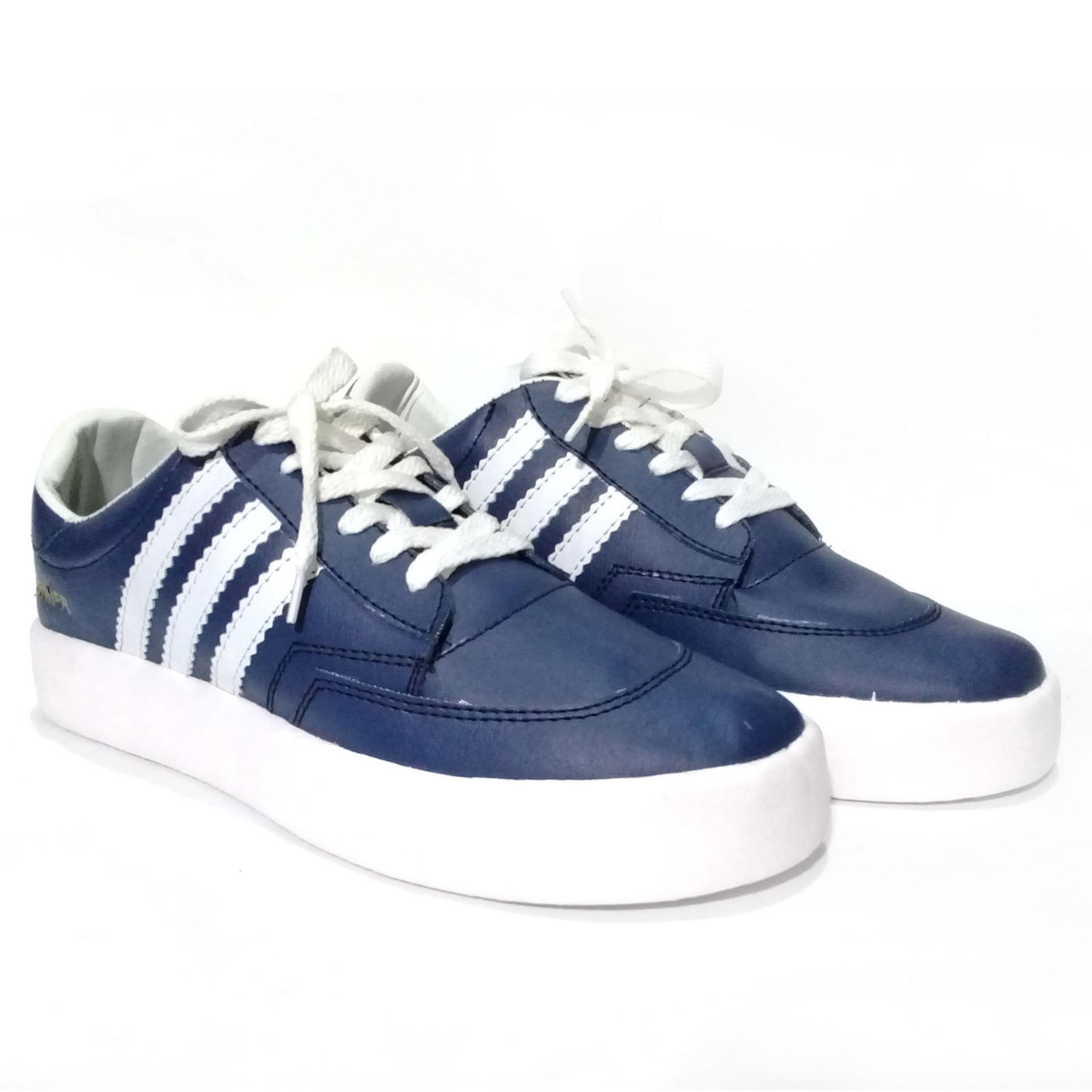 Harga Sepatu Pria Sneakers Premier Warna Biru Dongker Calvien Online