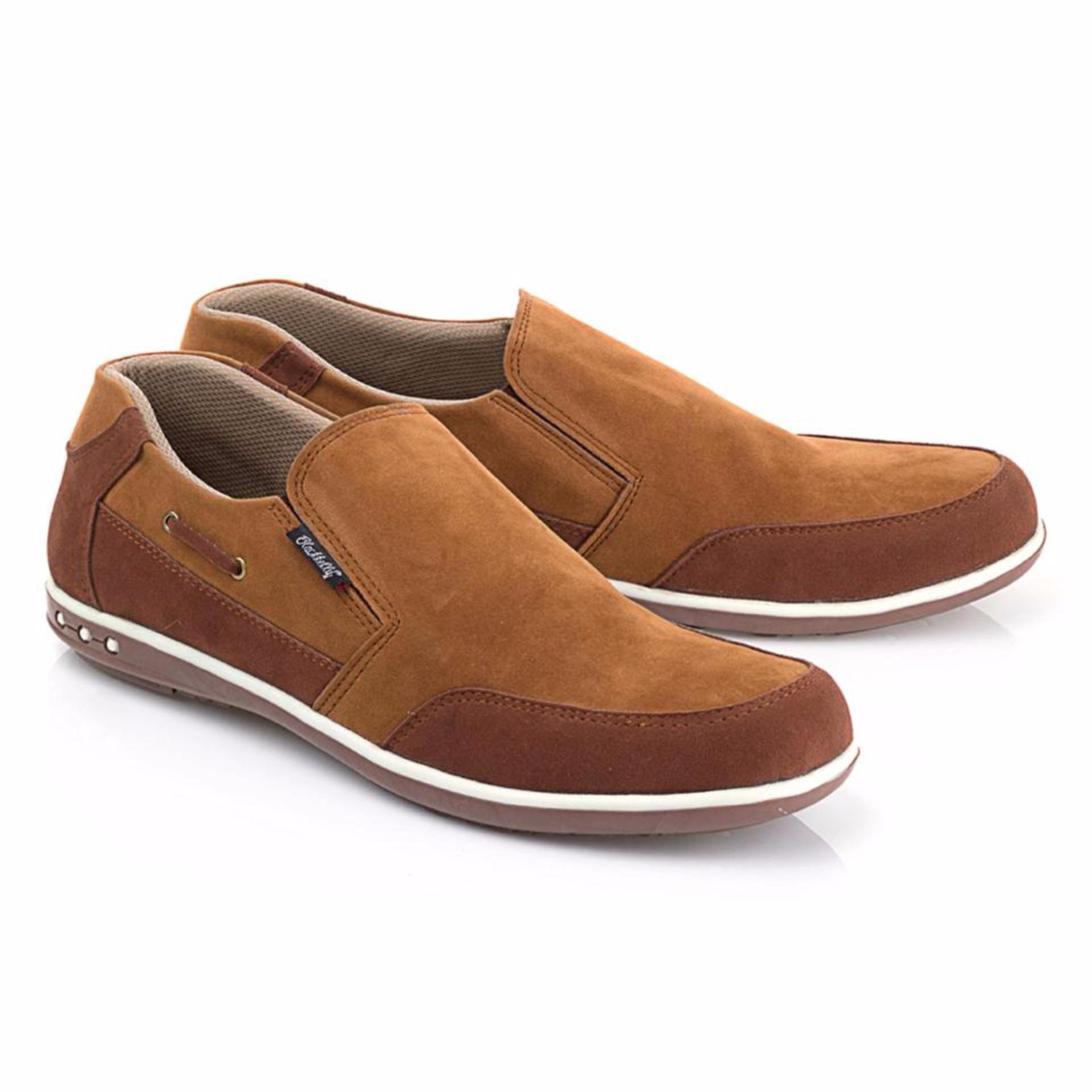 Sepatu Slip-On Kets Sneakers Casual Pria Warna Coklat Blackkely - LFS 668