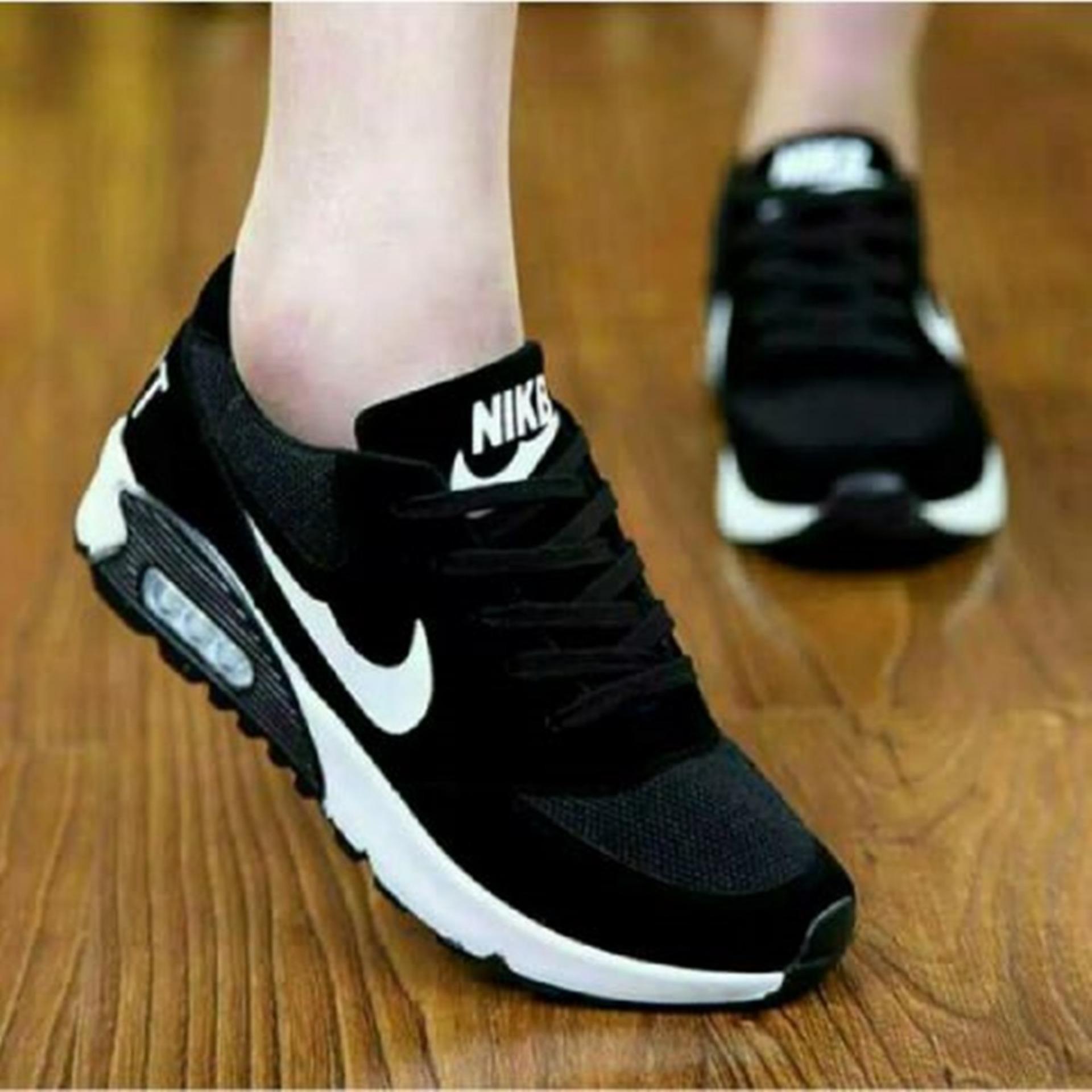 Sepatu Wanita Hitam Ceklis RD02