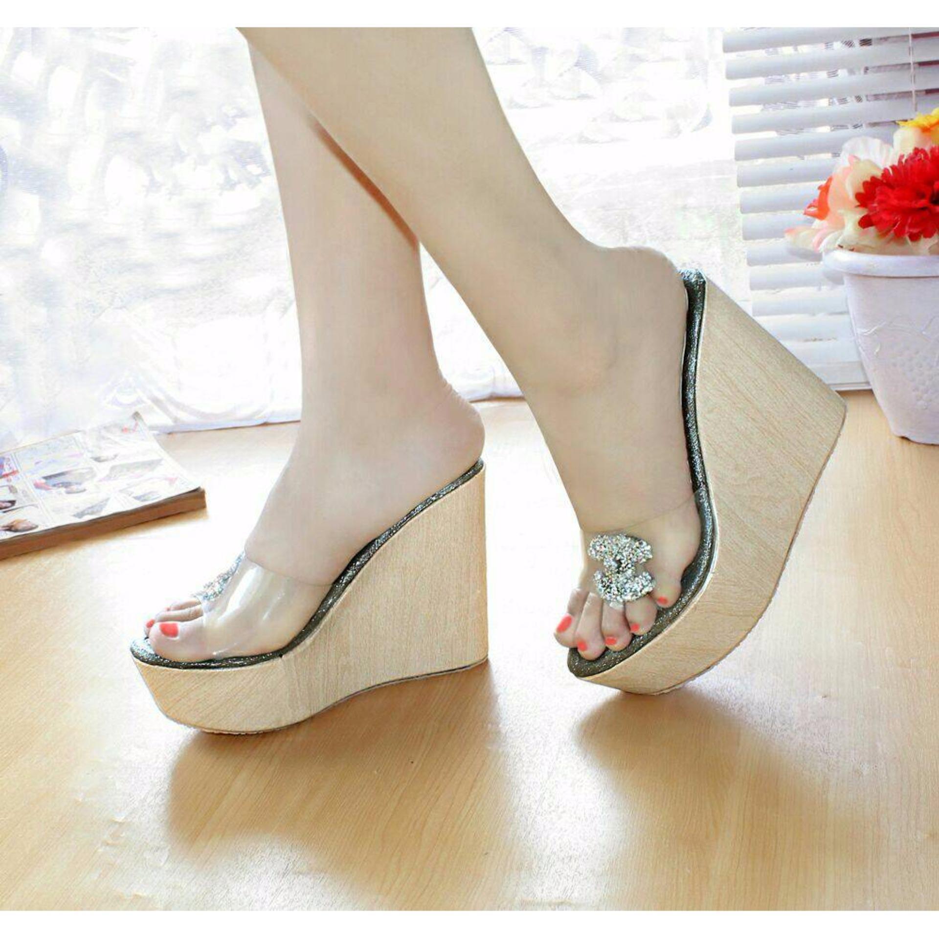 Sepatu Wanita Wedges Selop Channel Mika Hitam bf68a07ca5