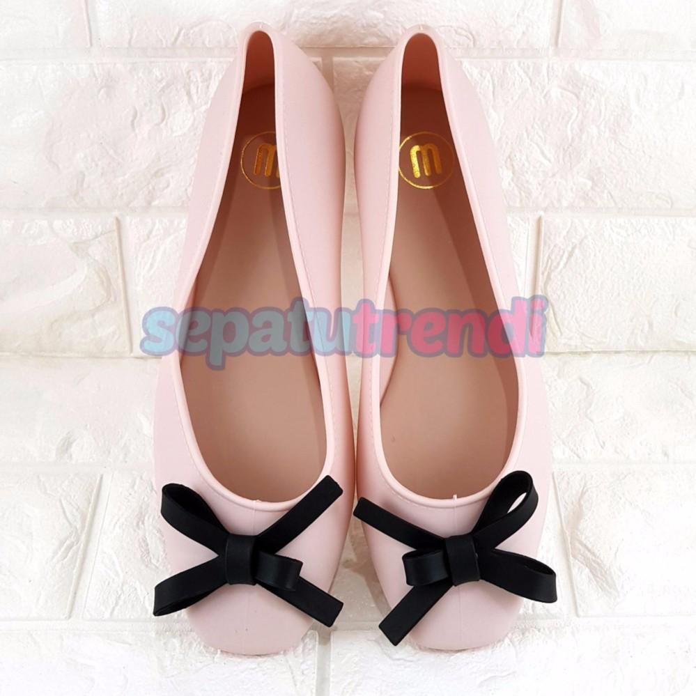Sepatu Slip On Loafer Wanita Wr88 Abu