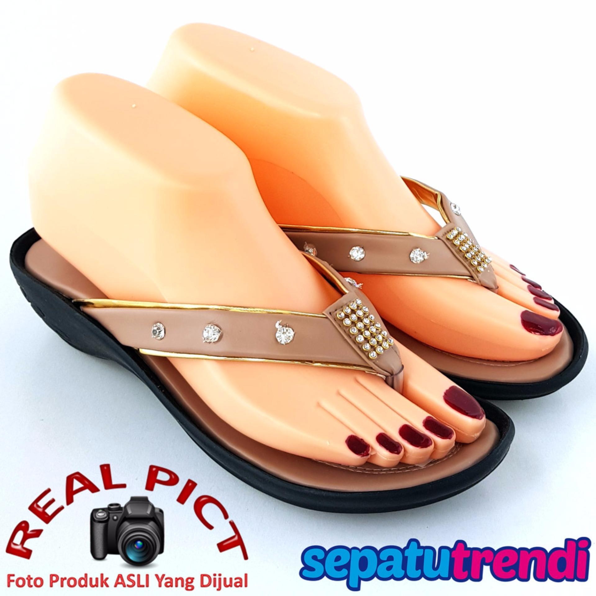 TrendiShoes Sandal Wanita Wedges Jepit Cantik BOCS01 - Mocca