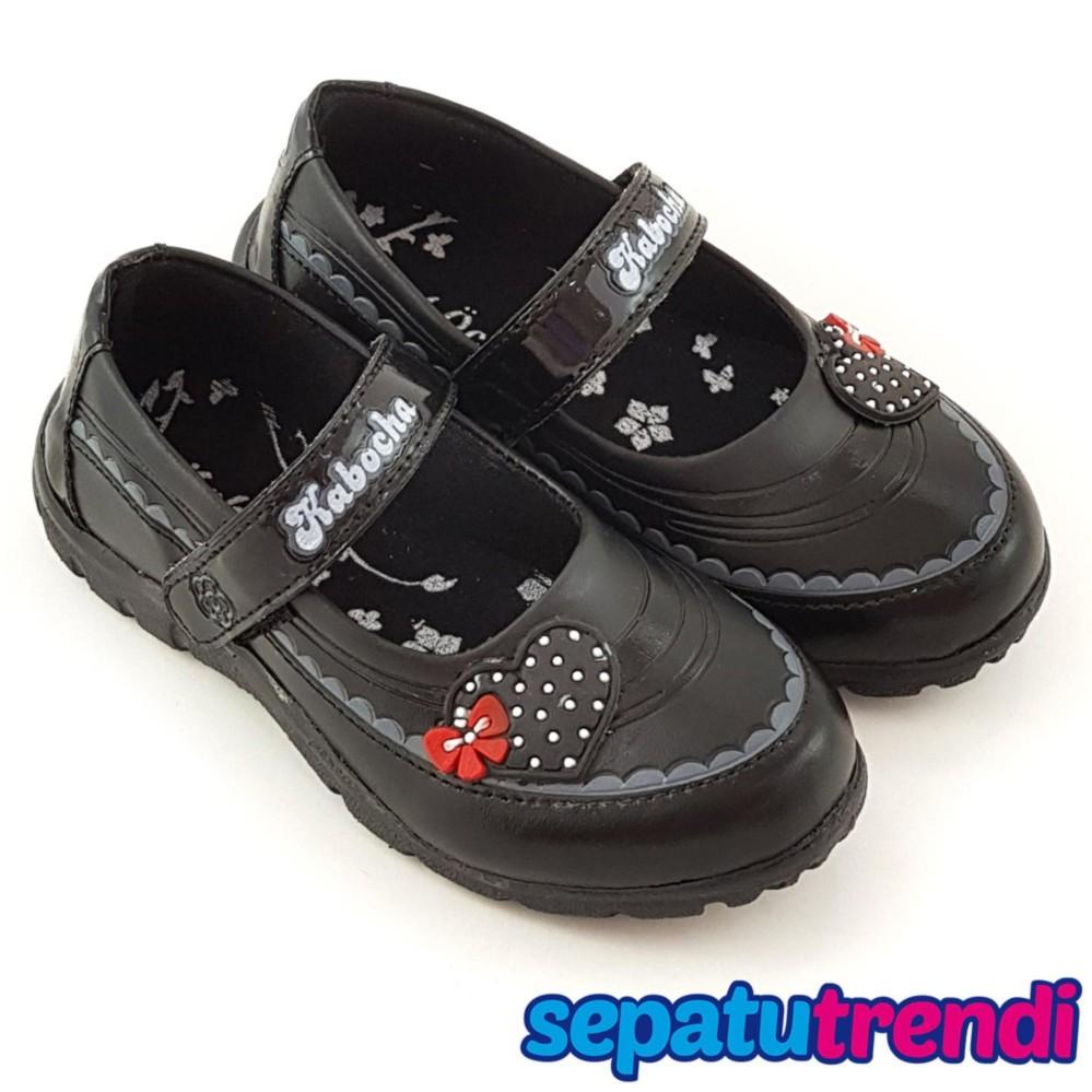 Trendishoes Sepatu Sekolah Anak Perempuan Motif Boneka Random Kb020 - Hitam By Sepatu Trendi.