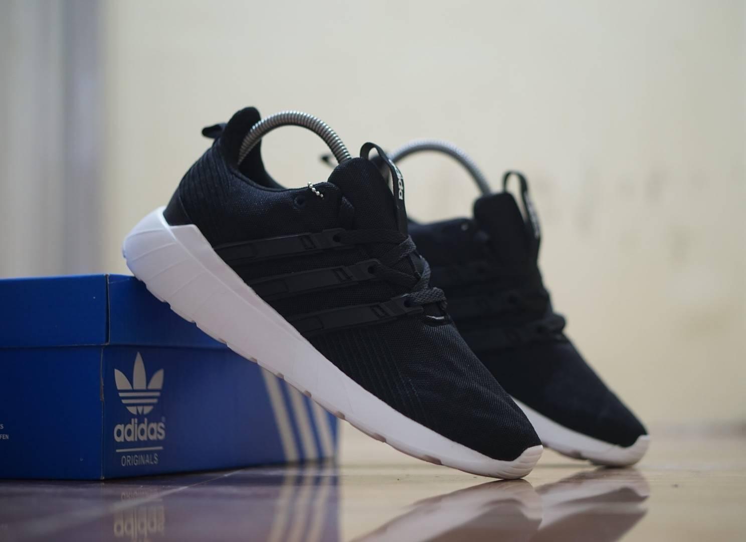 ΑDIDAS - Sepatu Pria ΑDIDAS Flow Sneakers Fashion Olahraga running