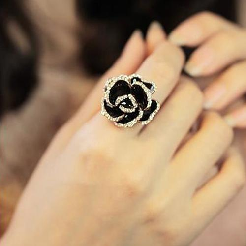 Oila Cincin Berlian Mawar Hitam / Black Roses Diamond Ring Jci007 By Oila.