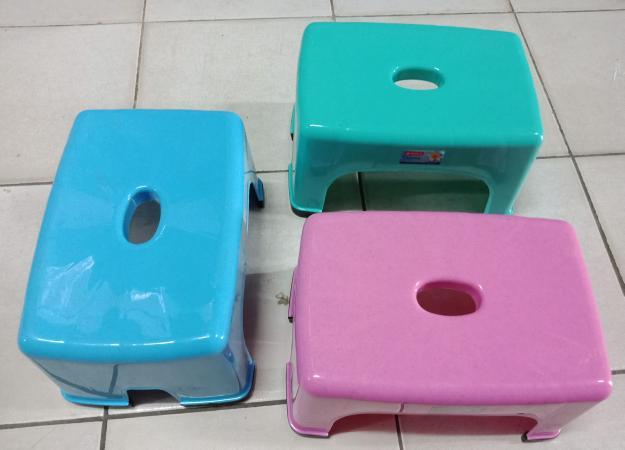 PALING LARIS Bangku Kursi Tempat Duduk baso jongkok pendek anak kecil plastik Lion (Lagi Diskon)
