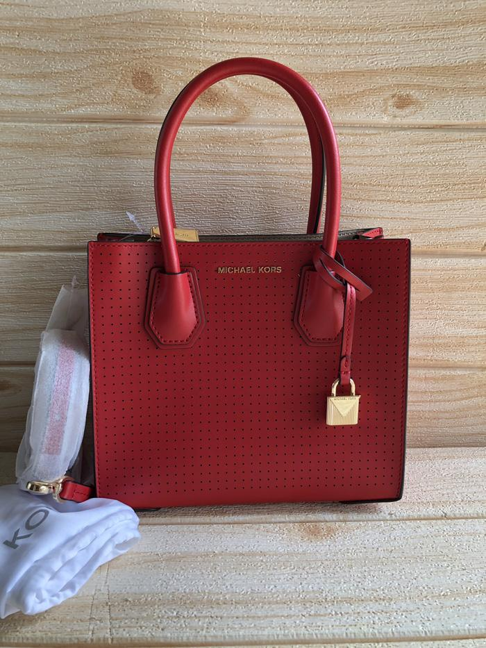 7599fce0d50d6 Tas Messenger Wanita MK Original - MK Mercer Medium Bright Red