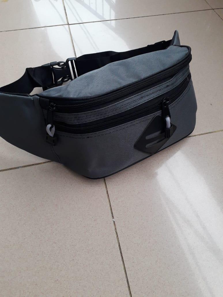 Tas Selempang Cowok Sling Waitsbag  tas sandang punggung tas gaul pinggang  keren pria  f25444ced6