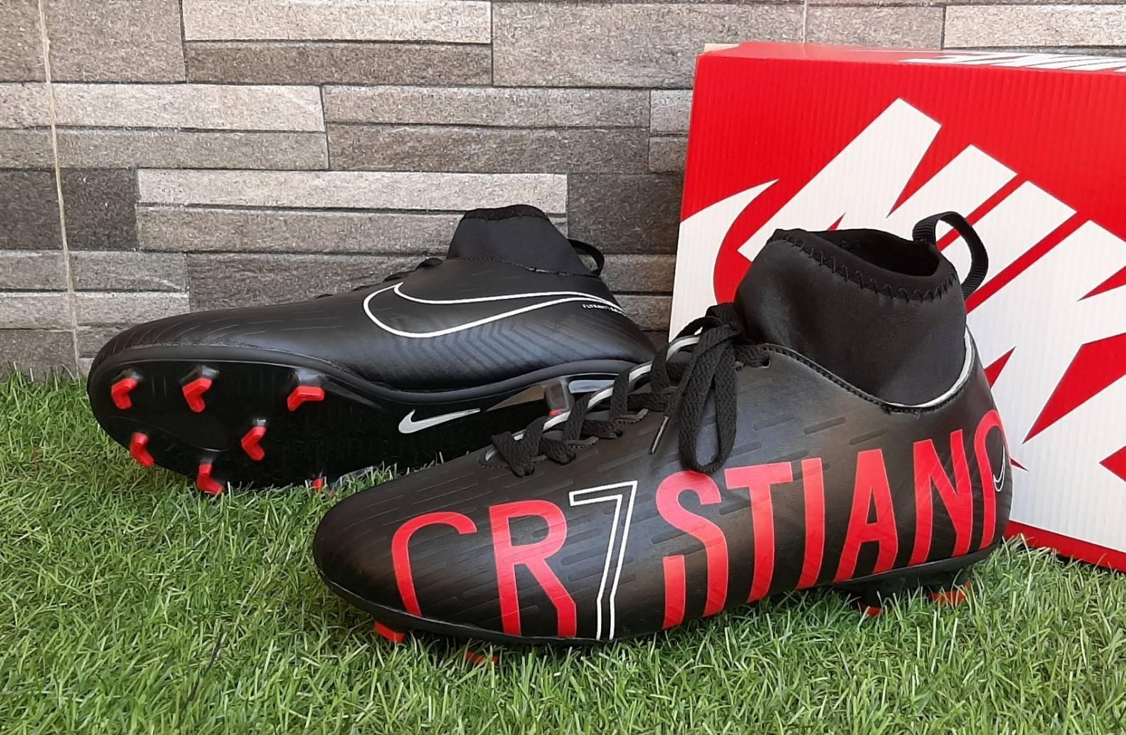 Sepatu Sepak Bola Nike_CR7 Hyperpenom Mercurial Predator Komponen Original Harga Promo COD bayar ditempat