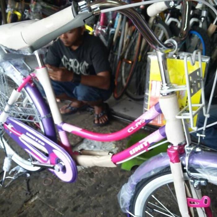 Promo    Sepeda mini UNITED size 24.untuk orang dewasa dan anak remaja.    Termurah