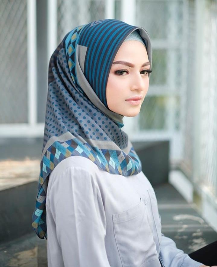 Promo Hijab Termurah Hijab Segi Empat Voal Super Motif Jilbab Segi Empat Jilbab Terbaru 2020 Kerudung Segi Empat Terbaru Hijab Segi Empat Motif Zoya Kudung Segi Empat Murah Hijab Kekinian Hijab Masker