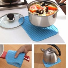 Alas Tatakan Persegi Silikon Square Anti Slip Kitchen - 1 Pcs By Luckystore.