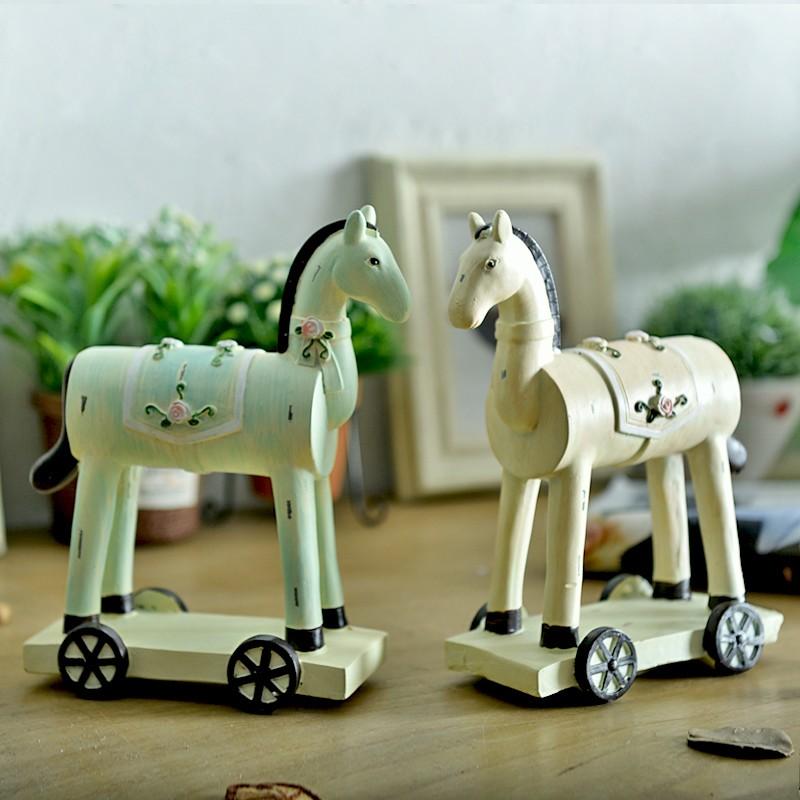 Pedesaan Amerika Gaya Resin Trojan Figurines Kamar Pengantin Dekorasi Rumah Ornamen Kuda Hadiah Ulang Tahun-Intl