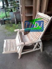 Kursi Santai/ Kursi Malas/ Kursi Goyang/ Furniture/ Mebel/ Jepara/ Jakarta/ Longer/ Lojer/ Kursi Jemur/ Kursi Pantai Jati