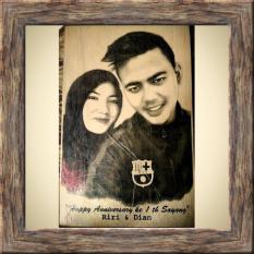 Ongkos Kirim Lukisan Kayu Bayar Ditempat Cod Custom Foto Dan Tulisan Kado Hadiah Ulang Tahun Dan Wisuda Unik Keren 15X20 Cm Black White Di Riau