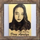 Promo Lukisan Kayu Bayar Ditempat Cod Custom Foto Dan Tulisan Kado Hadiah Ulang Tahun Dan Wisuda Unik Keren 15X20 Cm Bw Cth 1 Riau