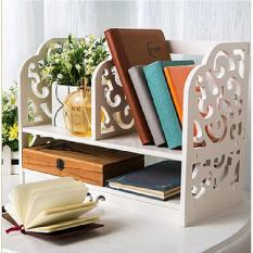 Rak Buku Kayu di Meja