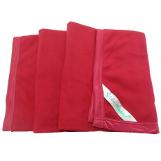 Yatis Selimut Polos 160 x 200cm - Merah Maroon
