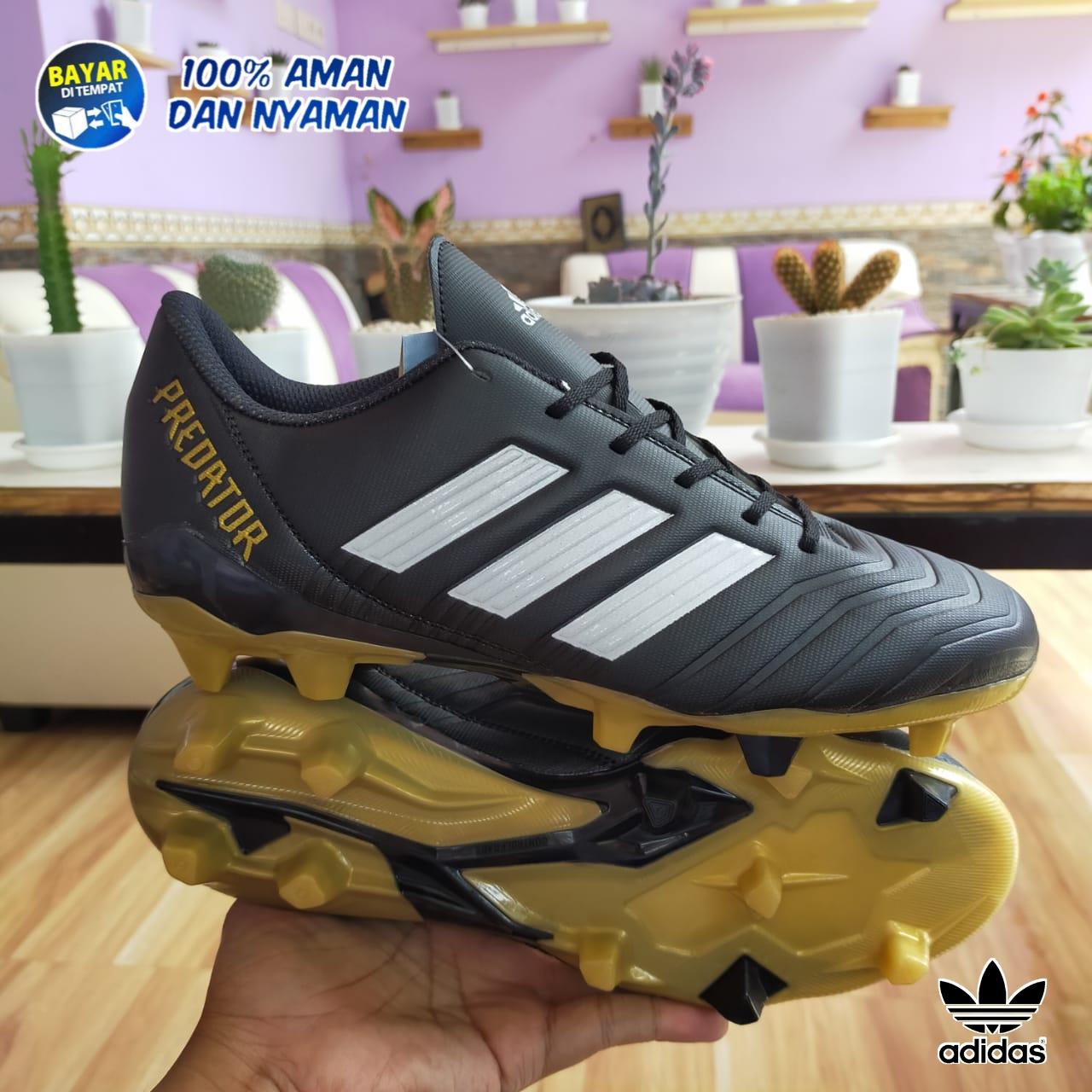 Sepatu Bola Adidas Predator Terbaru Komponen Original Warna Black/White/Gold